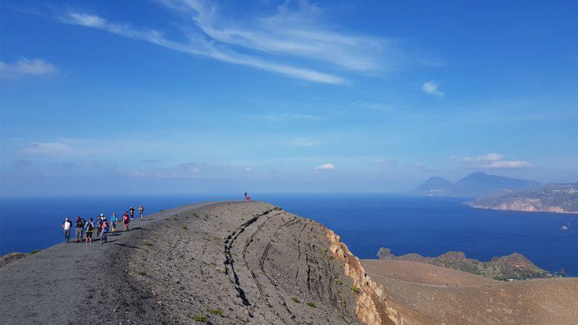 Trekking_Vulcano_Cratere