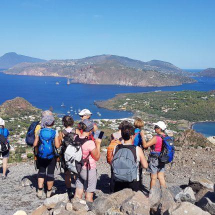 trekking per gruppi isole Eolie