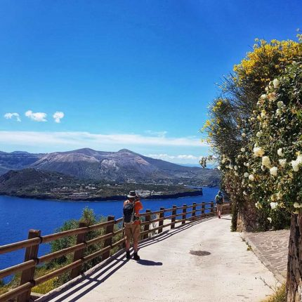Tour Isole Eolie Trekking Beach & Street Food